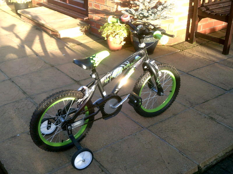 Childs Bicycle to suit 4 to 5 year old