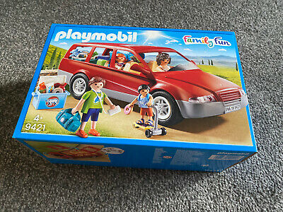 PLAYMOBIL  FamilyFun Car Playset