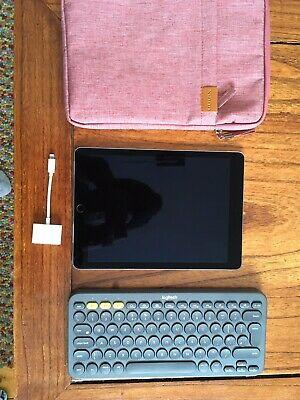 Apple iPad Pro 1st Gen. 256GB, Wi-Fi, 9.7 in - Space Grey
