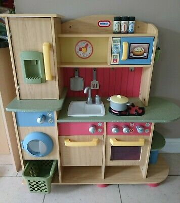 Little Tikes Premium Cooking Creations Wood Kitchen (£169