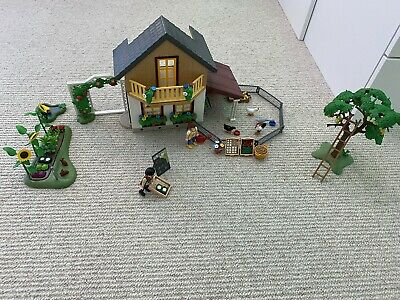 PLAYMOBIL  Farm House