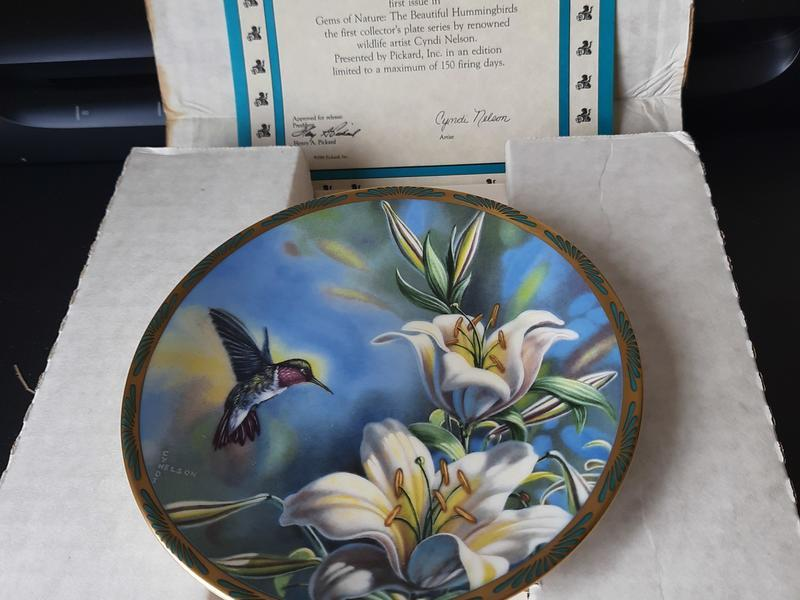 Collection of 6 Vintage Plates Boxed with Original COAs,
