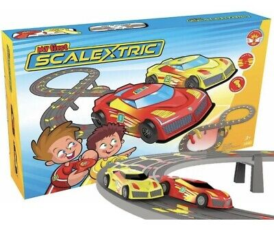 Micro Scalextric G My First Scalextric Set: Mains Power: