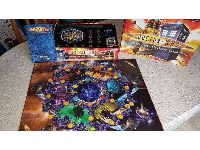 Dr who interactive electronic board game boxed complete with