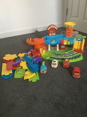 VTech  Toot Drivers Garage With Extra Track and 4
