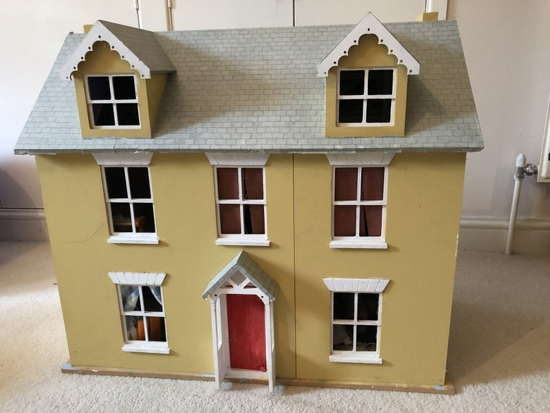 Dolls house, furniture and dolls