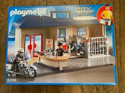 Playmobil  City Action Take Along Police Station - new,