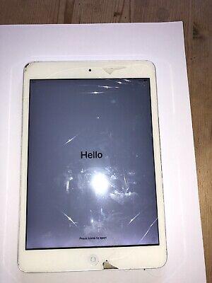 Apple iPad mini 2 16GB, Wi-Fi, 7.9in - Silver - Cracked