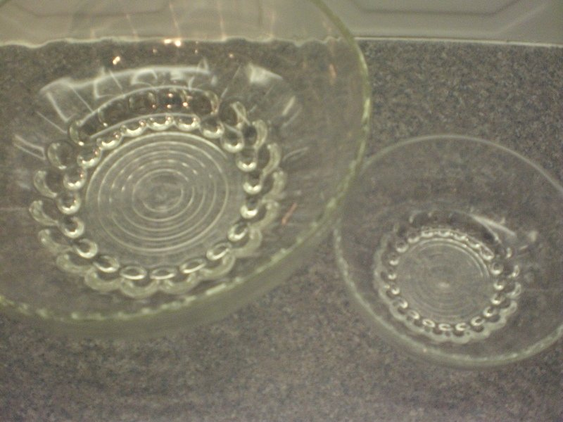Monte Carlo glass 7 piece serving/fruit set (new and boxed)
