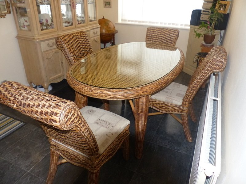 Traditional Wicker Oval Table and 4 Matching High Back