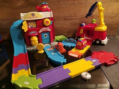 VTech Toot-toot Drivers Fire Station with fire engine with