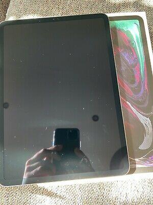 Apple iPad Pro 3 64GB, Wi-Fi + 4G (Unlocked), 11 in - Space