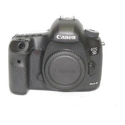 Canon EOS 5D Mark III DSLR Body Only. Shutter Count