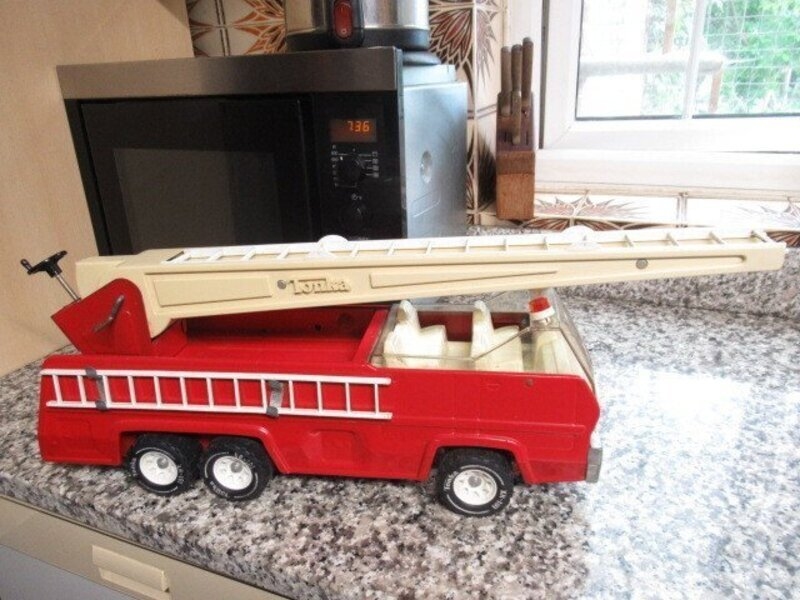 VINTAGE s FIRE ENGINE LARGE TONKA TOY AMERICAN FIRE