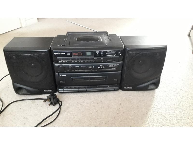 Radio / CD / cassette player