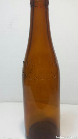 Botella de Cerveza La Alhambra 33cl letras en relieve color