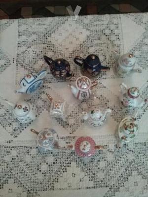 coleccion de mini caferas y teteras