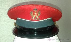 Antigua gorra de conductor de la Guardia Civil con escudo