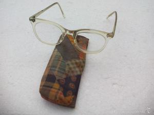 Antiguas gafas graduadas marca NIVX, con su funda. Retro.