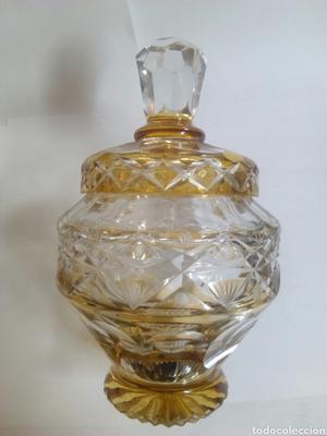 Bonota y antigua bombonera cristal tallado