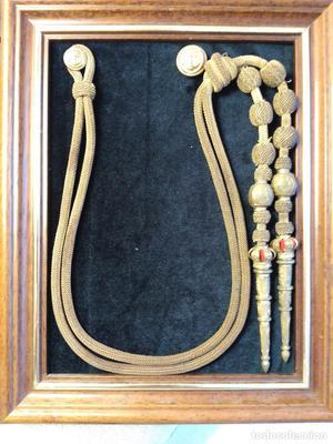 Cordones de ayudante de Almirante de la Armada (tres borlas)