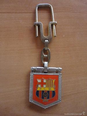LLAVERO FC BARCELONA CON ESCUDO Y CAMP NOU EN RELIEVE