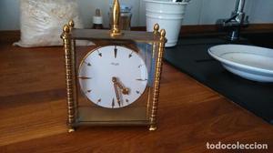 Pequeño y bonito reloj de sobremesa Kienzle