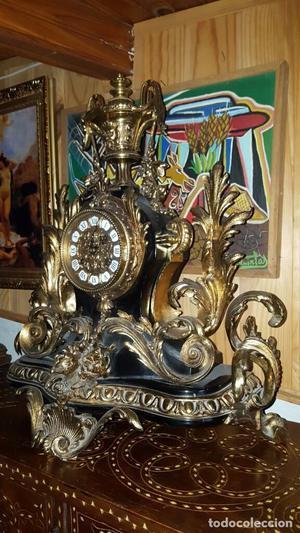Precioso reloj de bronce de sobremesa