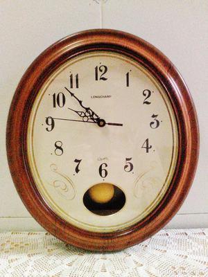 Reloj de pared con p ndulo princesa wall posot class for Reloj de pared con pendulo