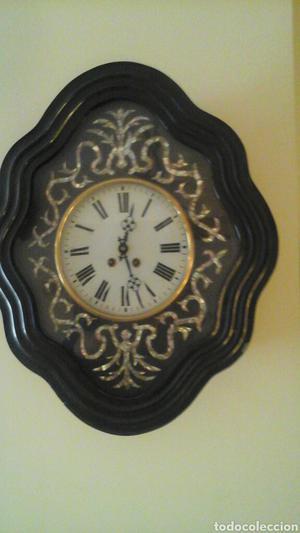 Reloj de ojo de buey, hacia  (periodo regente Isabel II