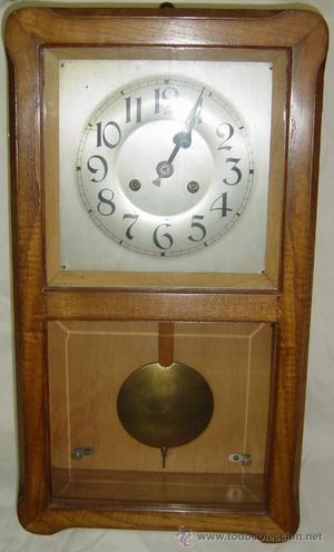 Reloj de pared /primera mitad del siglo XX
