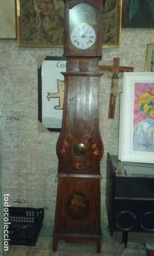 Reloj pared con caja.Tres campanas