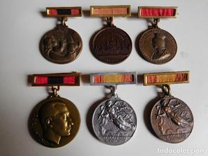 Lote de medallas de la sección femenina de la falange