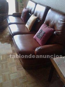 Vendo sofá tres plazas y 2 sillones