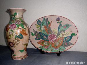 Gran florero y plato de servir decorativo con flores de