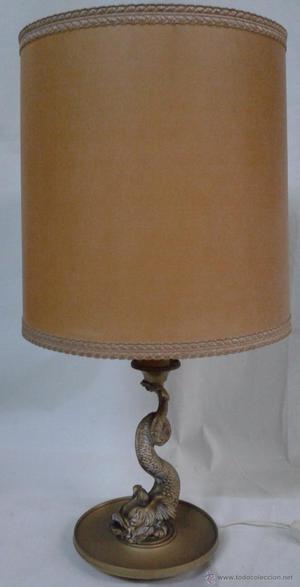 Lámpara de sobremesa, mástil decorado con figura de pez,