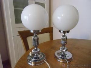 Lote de dos lámparas de mesita.