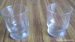 PAREJA DE VASOS De cristal Medidas 5 cm. de altura