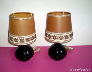 Pareja de lamparas con base de porcelana o ceramica
