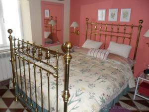Preciosa cama de laton de principios del siglo XX