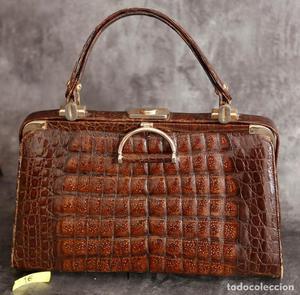 Precioso bolso de piel de cocodrilo. Años 50 Circa.