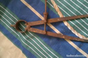 compas antiguo hierro