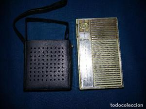 Antigua radio transistor marca Saxony con funda original