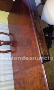 Mesa y sillas de salom
