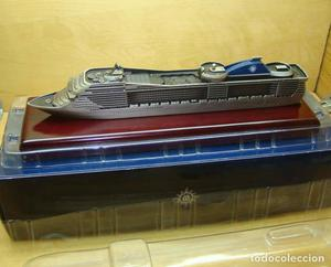 Maqueta barco de crucero MSC Fantasia.