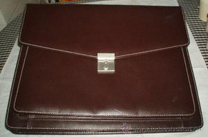 maletin cartera de ejecutivo color marron con asa para
