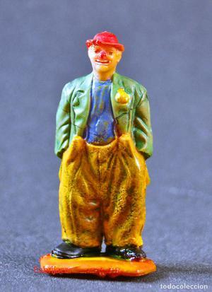 Figura antigua de un payaso del circo
