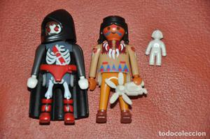 LOTE DE DOS FIGURAS PLAYMOBIL, INDIA Y Hooded Ghost