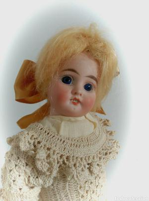 Muñeca antigua posiblemente francesa.