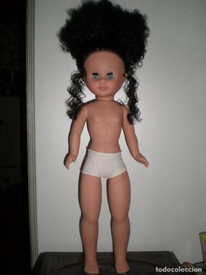 preciosa muñeca kika pelo largo rizado nueva sin uso de